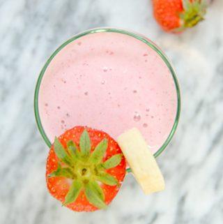 5 Ingredient Strawberry Banana Smoothie