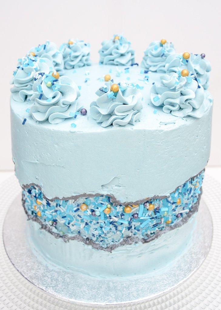 fault-line-cake-top