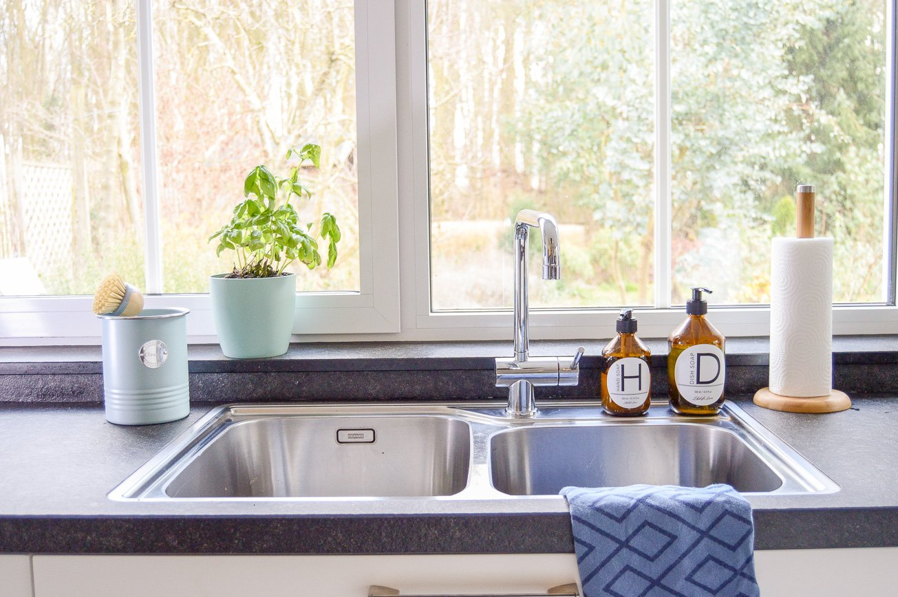 kitchen sink makeover - close up