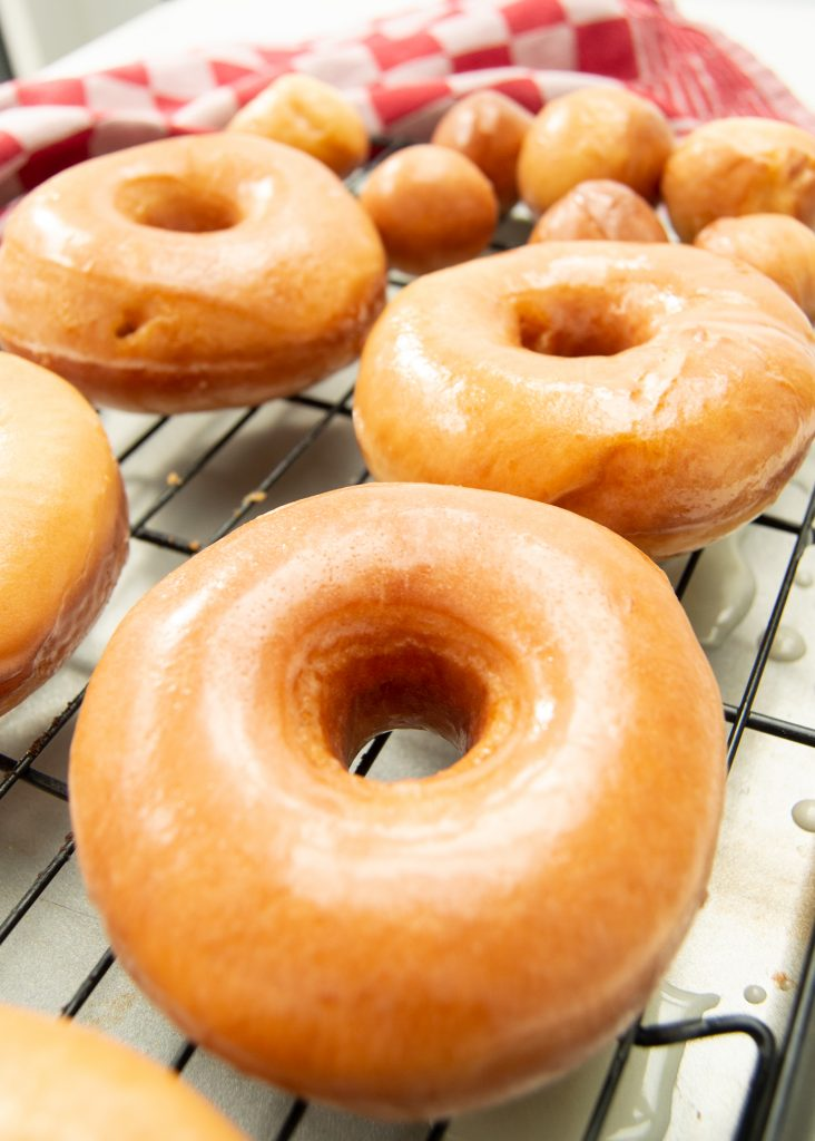 glazed_donuts_cooling_rack2